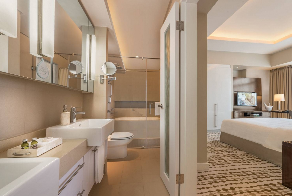 Salcedo Village luxury 2Bedroom condo for rent, long term, monthly at Citadines, Makati City