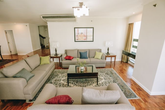 Penthouse in Salcedo Village Makati City For Rent 3 Bedrooms