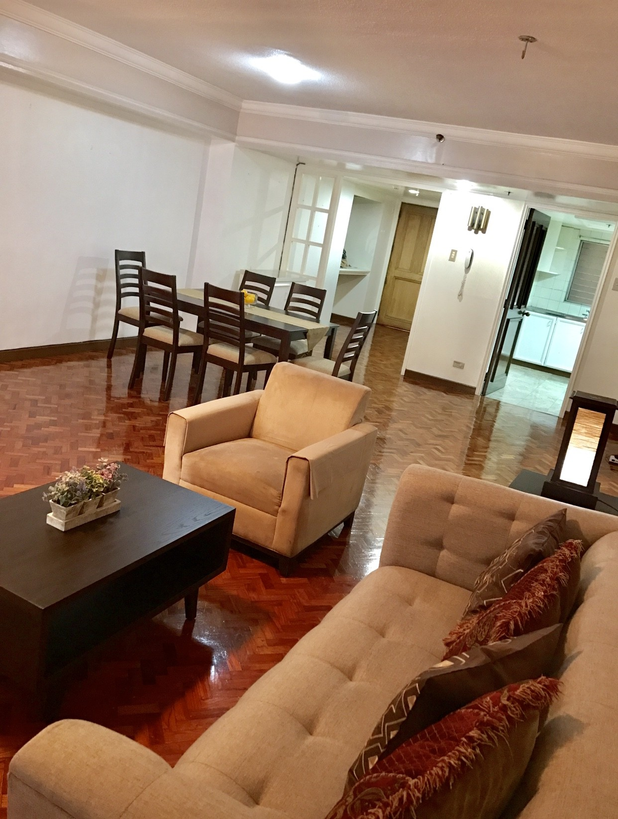 THE COLONNADE RESIDENCES Apartment & Condo Rentals 2BR Makati